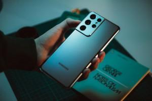 Samsung Galaxy S21 оказался бестселлером