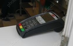 Мошенник 'из банка' выманил деньги за замену терминала в аптеке