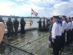 В Саратове пришвартуется паром с военной техникой