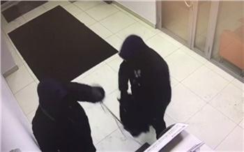 «Украли более 17 млн рублей»: в Красноярске осудили серийных взломщиков банкоматов