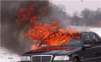 Обиженный красноярский пешеход сжег чужой «Лексус» и теперь заплатит миллион