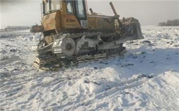 Еще более тонны санкционных груш раздавили бульдозером в Красноярске