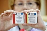 Путин поручил начать массовую вакцинацию россиян