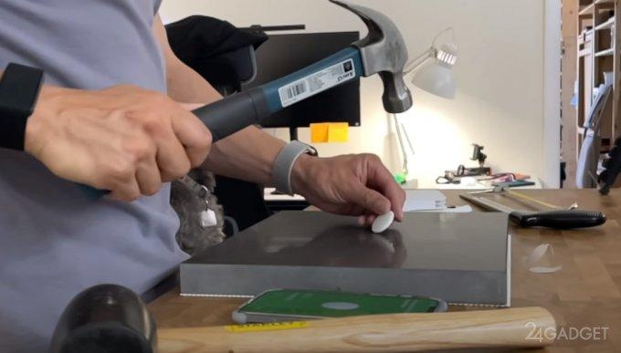 Трекер Apple AirTag показал завидную прочность и выдержал удары молотка (видео)