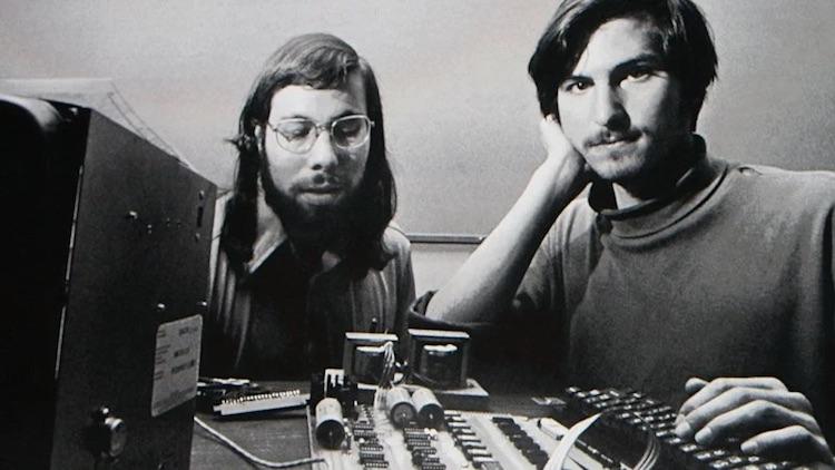 Сегодня исполняется 45 лет со дня основания Apple