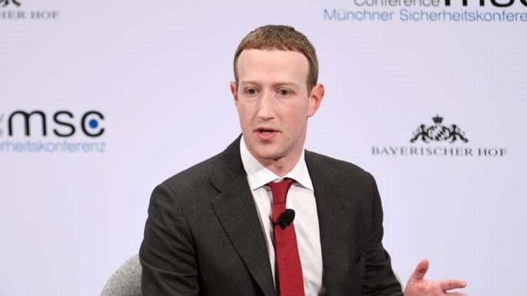 Почти все сотрудники Facebook смогут работать удалённо