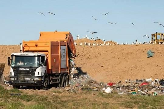 Тотальный контроль за мусоровозами установят в России в 2022 году