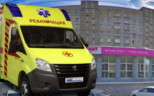 В Воронеже 19-летний парень выпал с третьего этажа