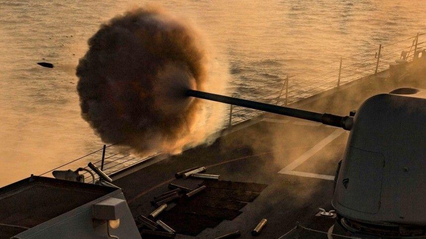 Момент выстрела ракеты ВМС Ирана по своему кораблю попал на видео