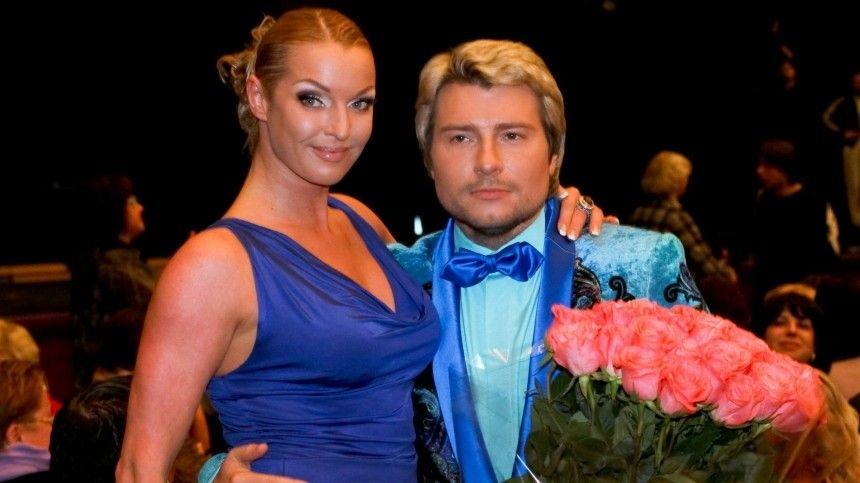 «Нимфа» Волочкова сняла трусы перед чужим мужем на курорте