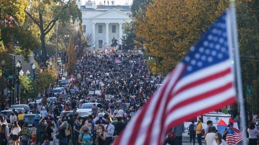 Цифровая «цветная революция»: выберутся ли США из политического кризиса?