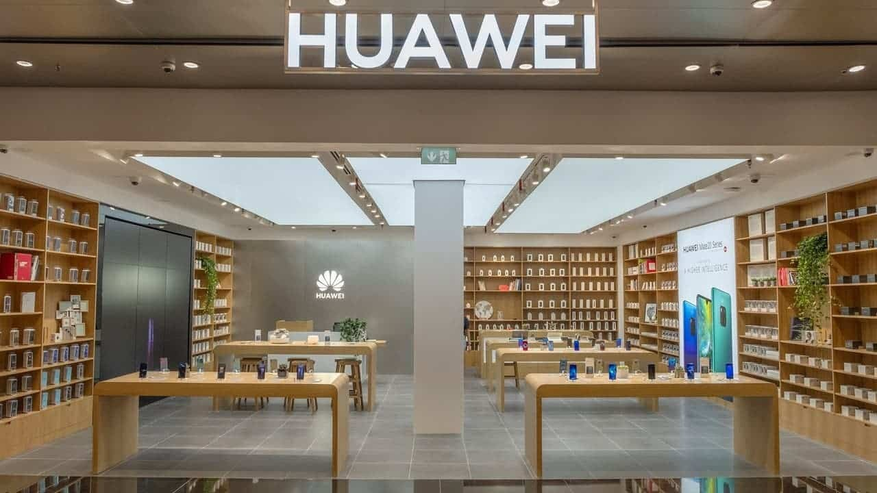 Смартфонов Huawei почти не осталось на складах даже на родине