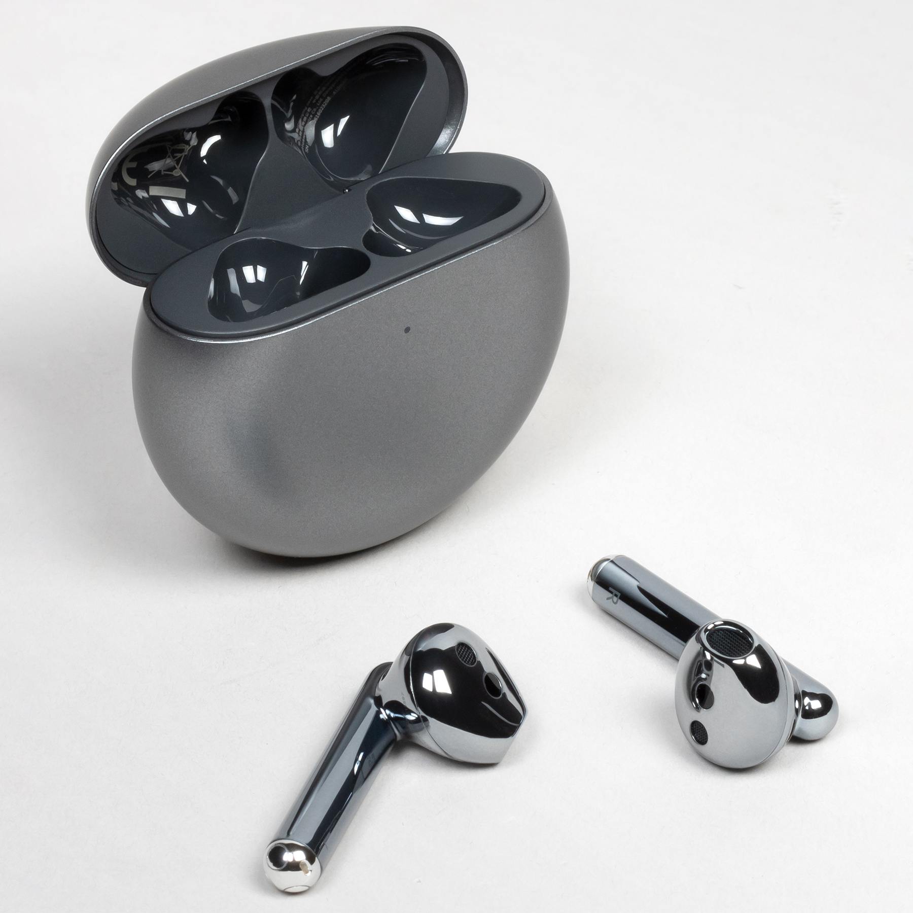 TWS-гарнитура Huawei FreeBuds 4: беспроводное подключение к двум источникам, активное шумоподавление