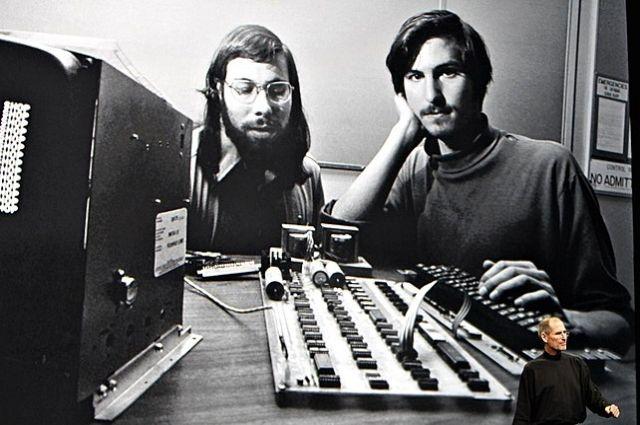 А был ли гараж? Кто и как создавал самый первый компьютер Apple