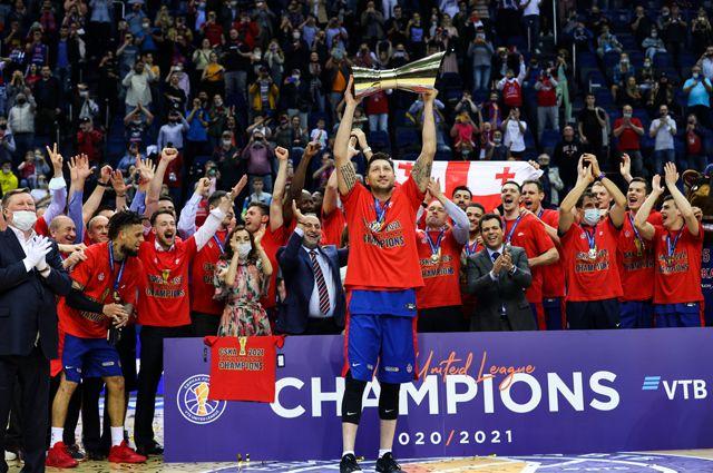 Великое прощание. ЦСКА стал чемпионом и закончил историю своей арены
