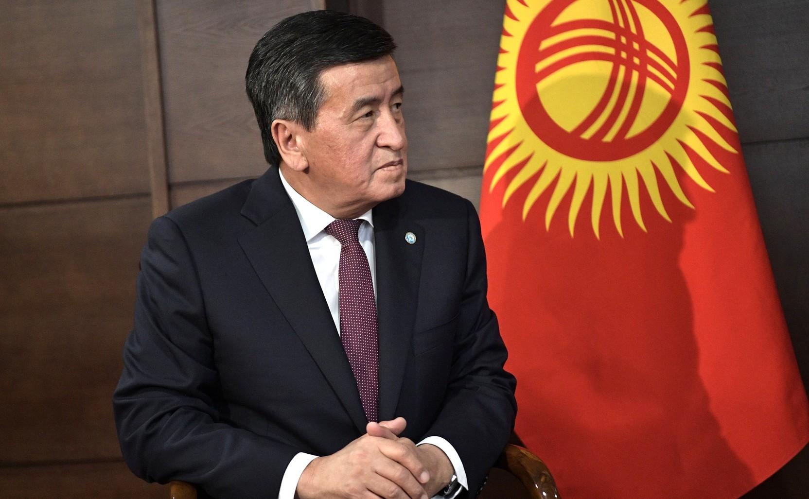 Экс-президенту Киргизии Жээнбекову сохранили неприкосновенность