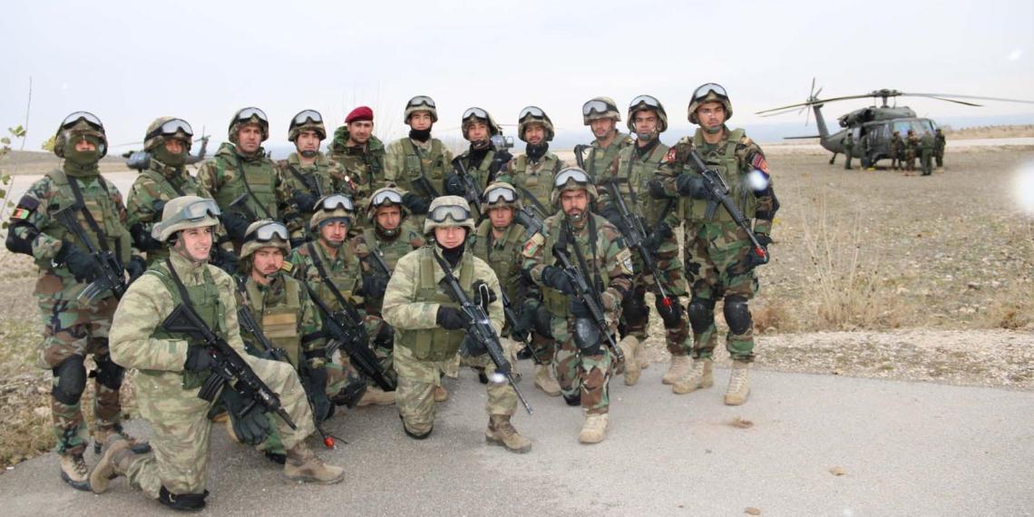 Турция перебрасывает военных в Азербайджан