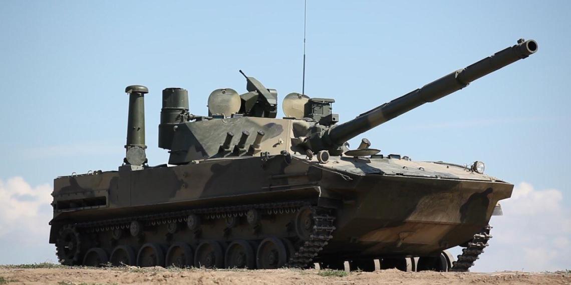 Плавающий отечественный танк 'Спрут-СДМ1' показали на выставке