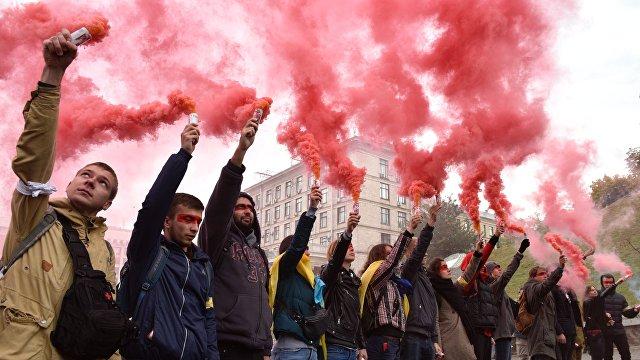 Вести (Украина): Украина превратилась в «Артек» для фашистов