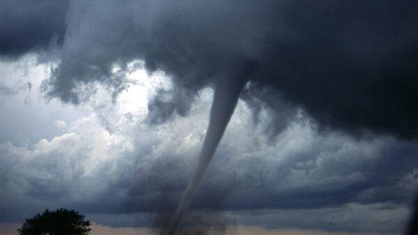 Торнадо вызвали разрушения на родине Элвиса Пресли в США