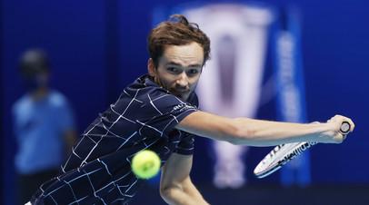 Медведев обыграл Тима в финале Итогового турнира ATP