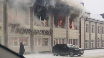 Водитель автобуса помог эвакуироваться людям из ТЦ в Горно-Алтайске