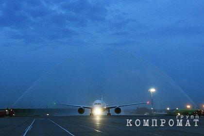 Самолет Йошкар-Ола — Москва экстренно вернулся в аэропорт из-за отказа двигателя