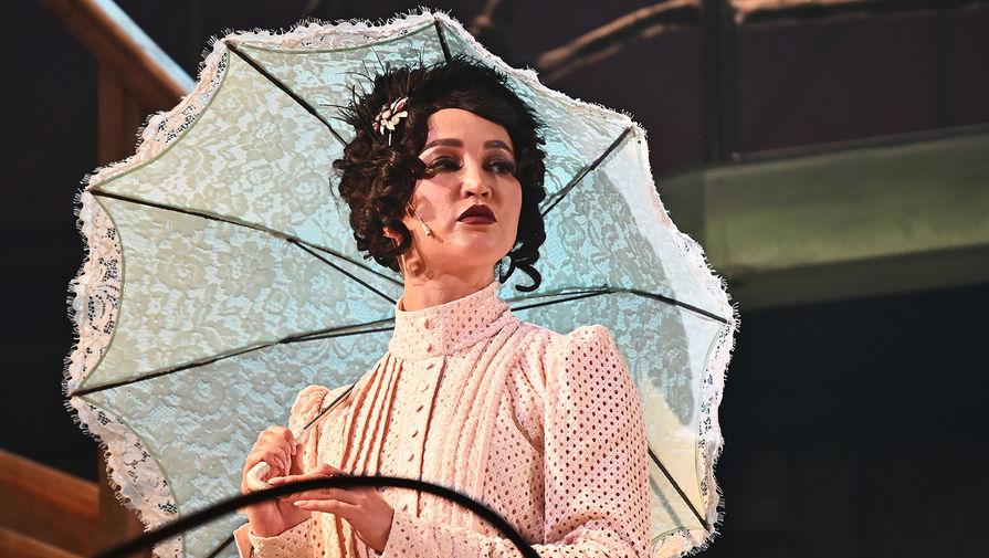 В МХАТ Горького заверили, что спектакль с Бузовой вернется на сцену