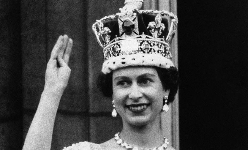 Портрет Елизаветы II вынесли из Оксфордского университета по решению студентов