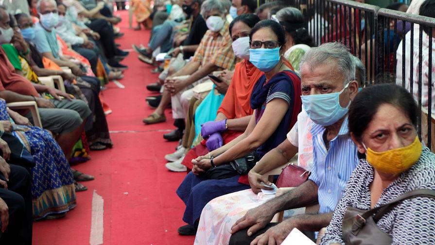 В Центре Гамалеи оценили влияние индийского штамма на иммунный ответ у привитых и переболевших
