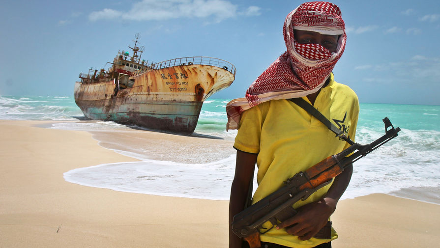 В Гвинейском заливе пираты напали на газовоз