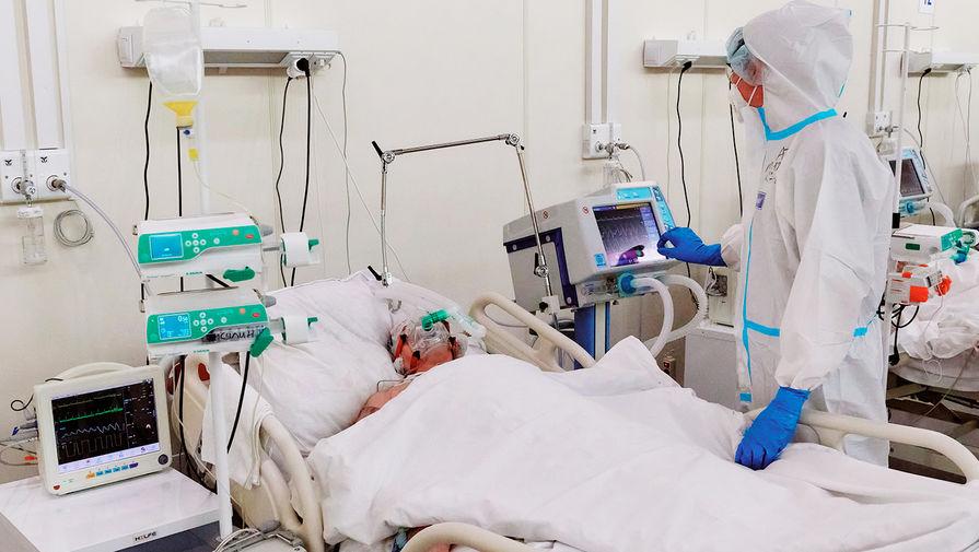 В больницах Москвы перепрофилируют тысячи коек из-за осложнения ситуации с COVID