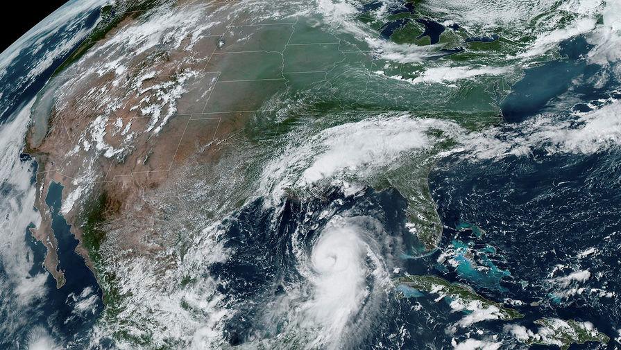 Ураган 'Салли' в США ослабел до тропического шторма