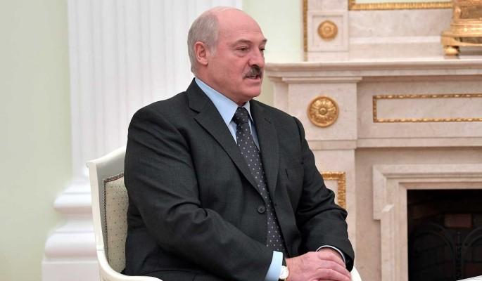 Политолог заявил о желании Лукашенко остаться одному в Белоруссии: Ему плевать на народ