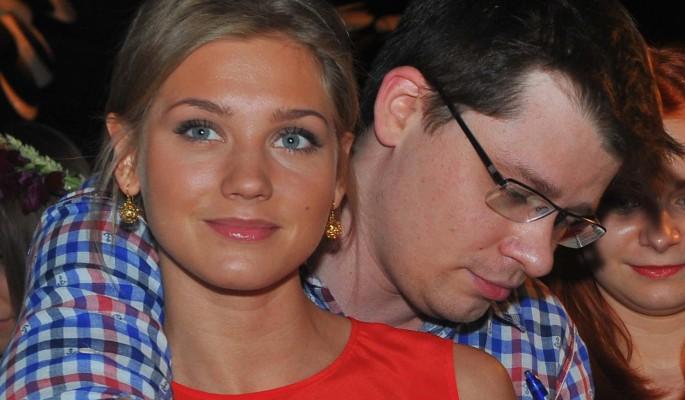 Стала известна причина развода Асмус и Харламова: пьянство и игромания Гарика