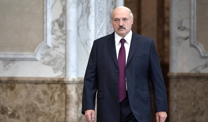 В Кремле пребывают в раздумьях, как поступить с Лукашенко – политолог Суздальцев