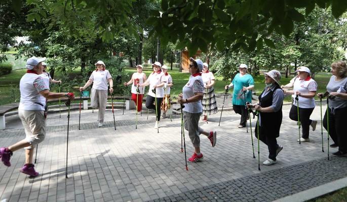 Проект 'Московское долголетие' возобновляет занятия на свежем воздухе