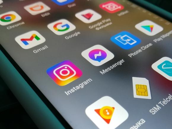 В Instagram появилась функция перевода текста на более чем 90 языков