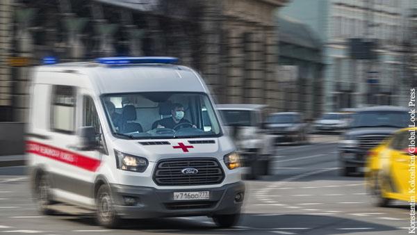 Доставившего врачей к пациенту водителя «скорой» избили в Кузбассе