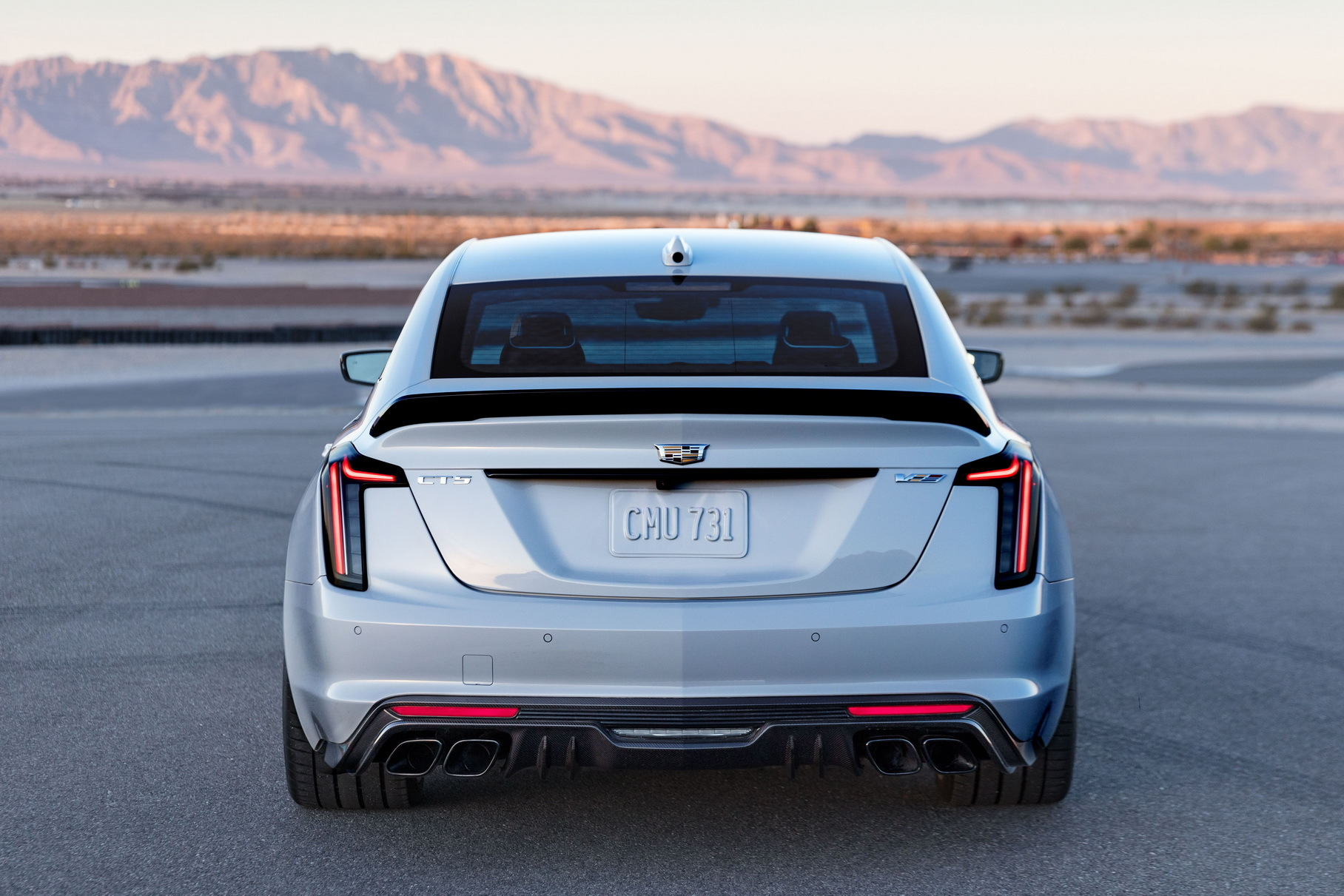 Cadillac объяснил, почему у суперседанов Blackwing нет полного привода