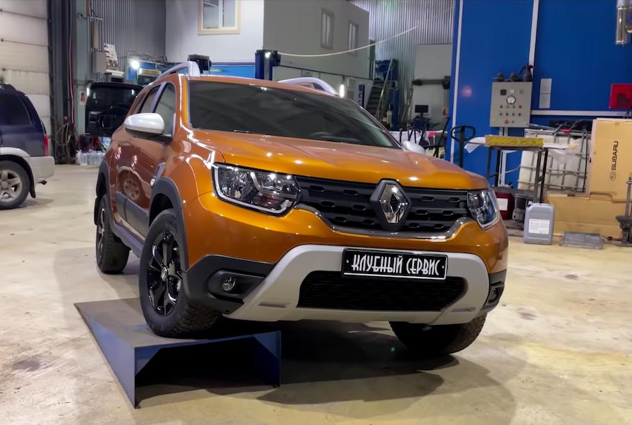 Видео: российские блогеры показали, из чего сделан новый Renault Duster за миллион рублей