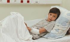 «Доставка суши — русская рулетка»: сын Айзы и Гуфа попал в больницу с тяжелым отравлением