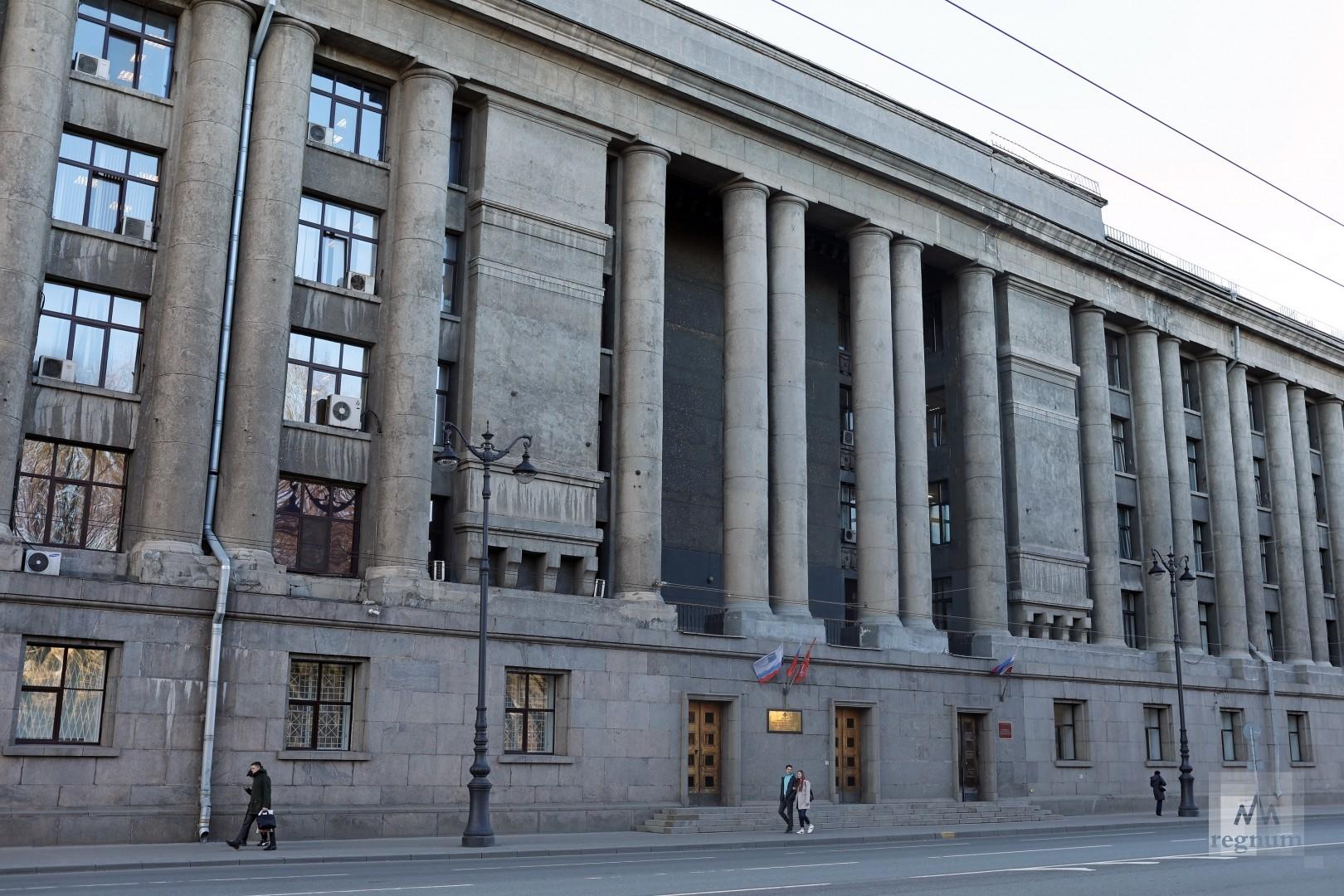 В Петербурге сотрудники МВД и ФСБ спасли от гибели трёх школьниц
