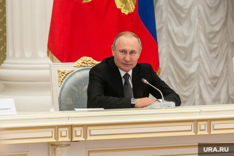 Путин выдвинул банкам требование о работе во время пандемии