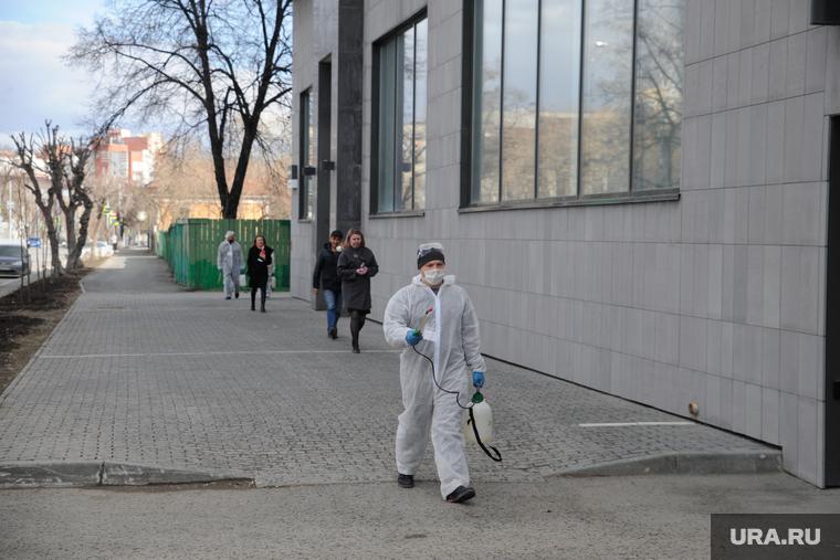 Коронавирус в Тюменской области: родителей штрафуют за гуляющих детей. Последние новости 24 апреля