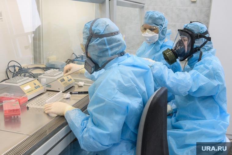 Коронавирус: последние новости 28 апреля. Регионы вводят масочный режим, ВОЗ предрекает долгую пандемию, россияне обеднеют