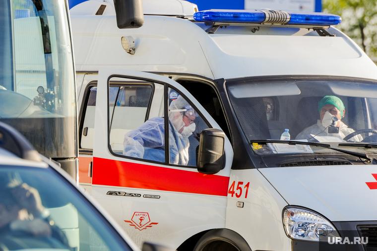 Коронавирус: последние новости 9 мая. В России люди меньше заражают друг друга, в Минске прошел традиционный парад Победы