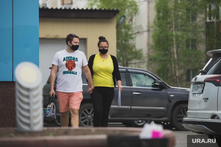 Коронавирус: последние новости 19 мая. Cкончался младенец с COVID-19, Минздрав РФ ожидает конец эпидемии, а ВОЗ — вторую вспышку