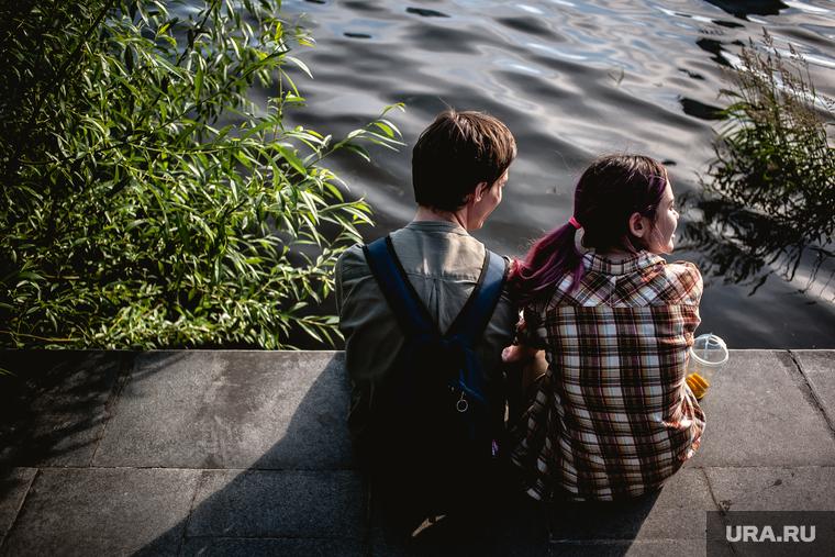 Коронавирус: последние новости 17 июня. В России уменьшается число зараженных, пандемия приведет к четырехдневной рабочей неделе