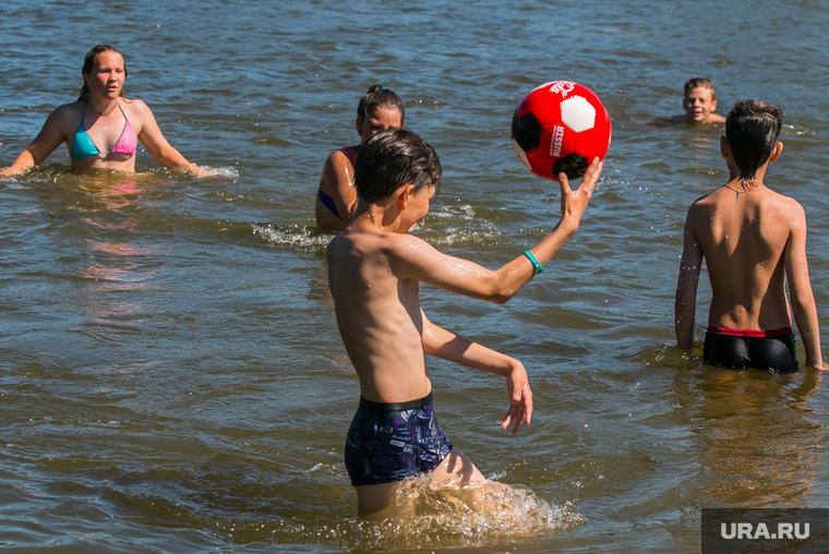 Коронавирус: последние новости 23 июня. ВОЗ: последствия пандемии будут сказываться десятилетиями, антибиотики губительны для зараженных COVID, купание в морях и озерах безопасно